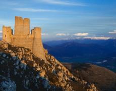 Il castello di Rocca Calascio tra i 15 più belli al mondo.